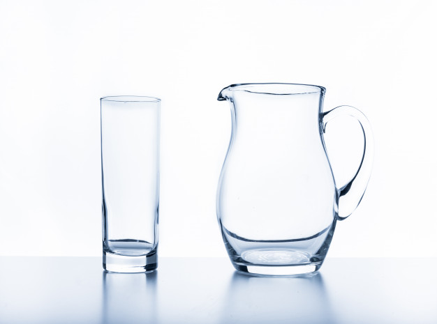 Photographing glass: 4 tricks that will help you